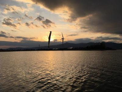 スコーンと風車